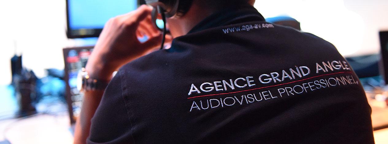 Dos de T-shirt imprimé avec le logo de l'Agence Grand angle